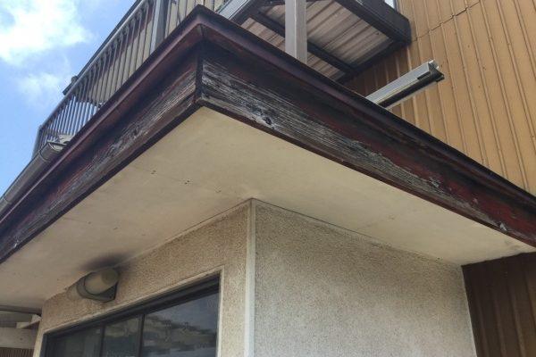 鉾田市N様邸のお隣T様邸 外壁塗装工事、スレート屋根塗装工事、軒天張り替え工事、破風板板金工事、雨樋交換工事、波板交換工事ありがとうございました。